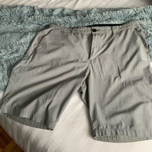 Billabong light grey men's shorts